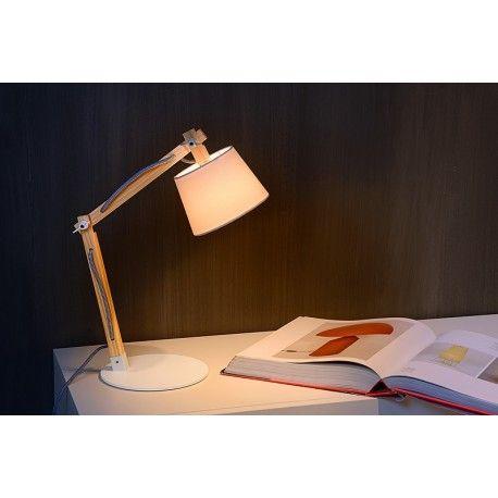 Drewniana lampa biurkowa Olly marki Lucide.