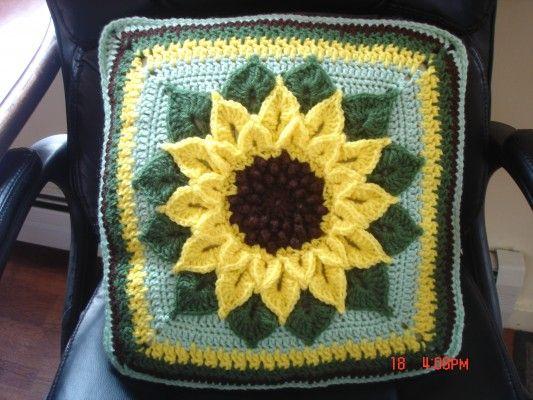 Sunflower Cushion Knitting Pattern : 172 best Sunflower crafts images on Pinterest Sunflower crafts, Sunflowers ...