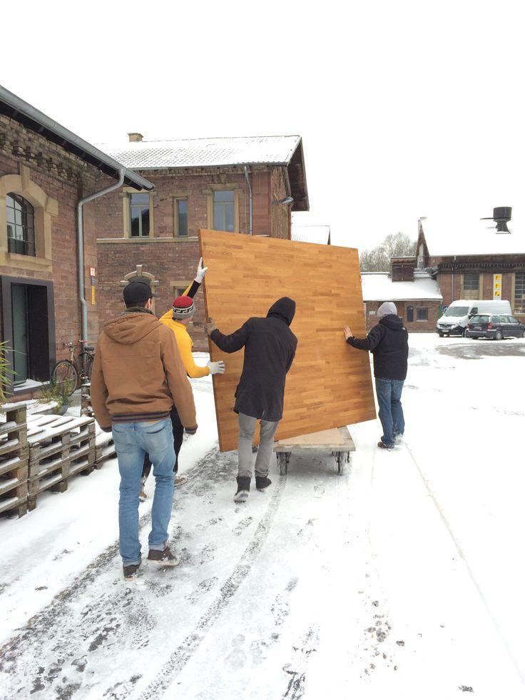 Super-Kombi: Große massive Tischplatten und Schnee!