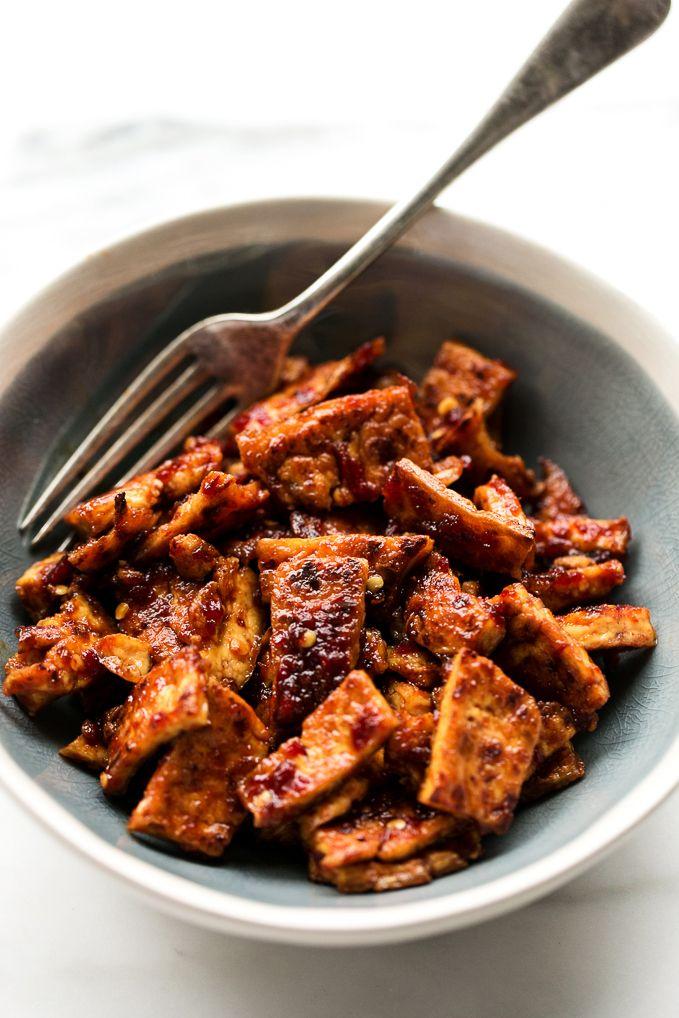 5-Ingredient Spicy Chile-Garlic Tofu | This vegan chile-garlic tofu has a slow warming kick of spice, subtle sweetness, and appealing vinegary tang.