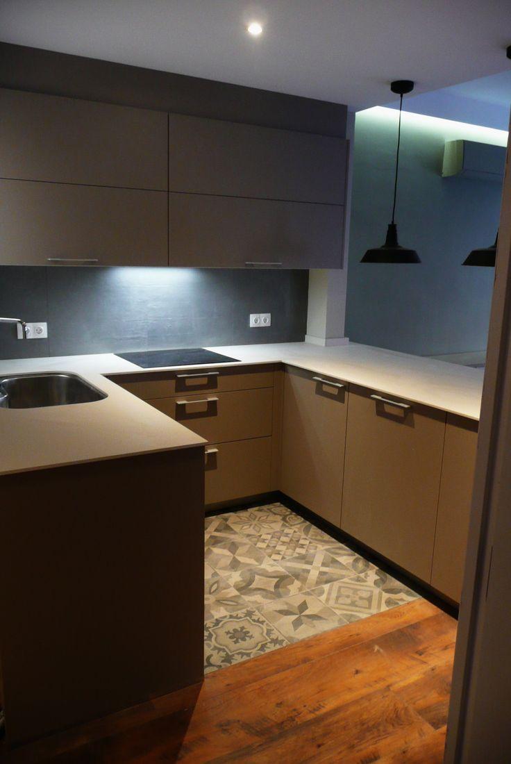 Cocina ariane2 de santos color gris arena con sobre de for Muebles design barcelona
