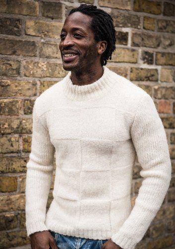 0da5f50d Opskrift 1709: Smart herresweater strikket i Sky light med kvadratmønster.  Mayflower Sky Light er