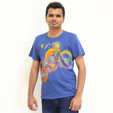 Buy MOTORCYCLE NAVY MEN men t-shirts online from Chumbak. To buy, visit this link http://www.chumbak.com/apparel/tshirts-tops/mens/enfield-mtee-navy-xl.html