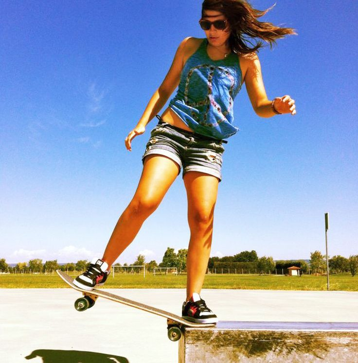 17 Best images about Hot girls on skate, longboard, bmx ...