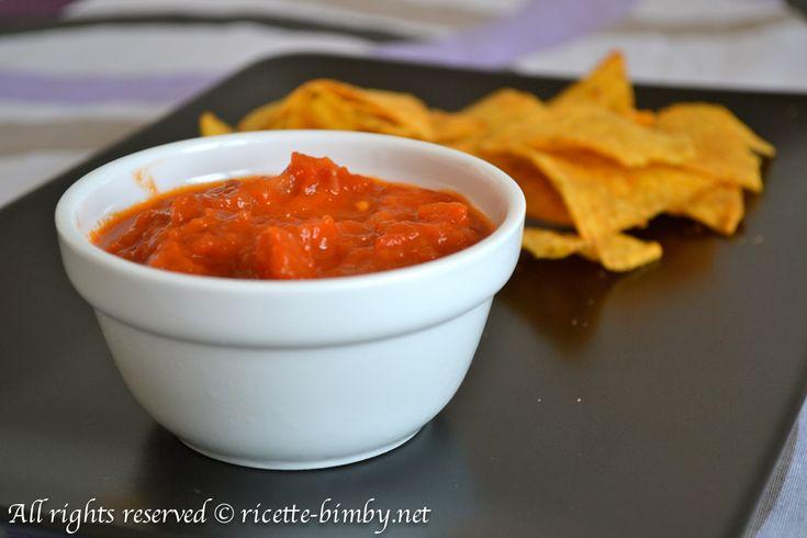 La salsa messicana bimby è perfetta accompagnata ai nachos e davvero facile e veloce da preparare. Scopri gli ingredienti che ti servono per prepararla.
