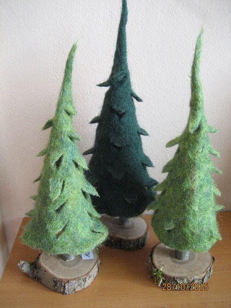 Tannenbaum Baum handgefilzt Set grün dunkelgrün von FILZ_HOLZ_und_MEHR auf DaWanda.com
