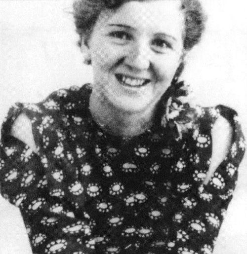 Eva Braun. (via gentleman-blackbird)