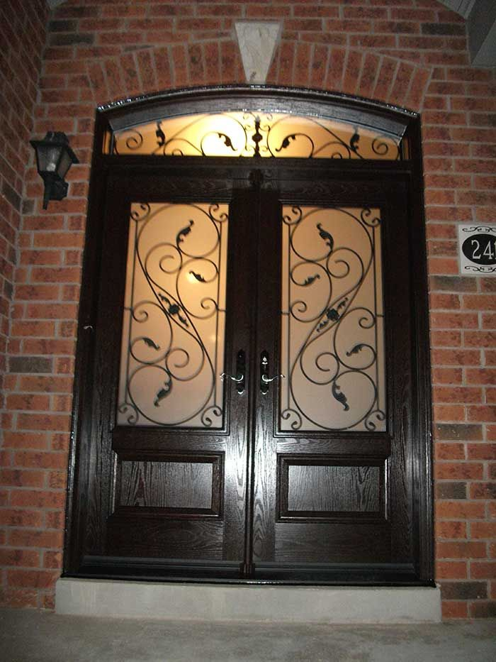 double front entry doors are a great choice because this design gives classic and luxurious impression to your house - Double Front Doors