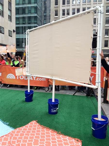 Property Brothers' backyard paradise- Outdoor theater Is there anything better than an outdoor movie night? Make your own screen, use piping and cement or sand to hold it all in place, then call up your friends for a night to remember. Build a frame using PVC pipe. (This is especially useful for easy break-down and storage.) Use a sheet or outdoor canvas as screen. Choose the size of the screen and use a 16:9 ratio calculator to make sure the width and height will project correctly. Add at…