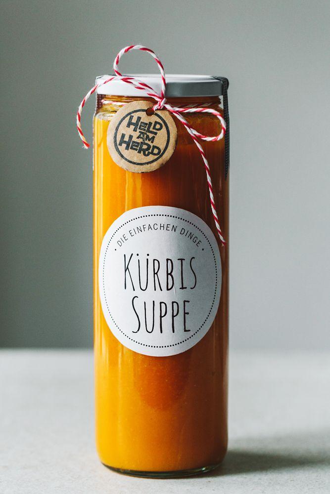 Rezept für Kürbissuppe: http://kraut-kopf.de/pdf/kuerbissuppe.pdf