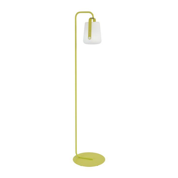 Pied simple, collection Balad. Pied de lampe en acier, compatible avec les lampes Balad de Fermob. Très résistant à l'eau et aux U.V., le pied est garantie 2 ans. Peut être retiré en magasin ou livré à domicile.