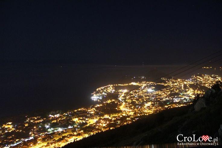Dubrownik widziany ze wzgórza Srđ nocą    http://crolove.pl/wzgorze-srd-w-dzien-i-w-nocy/    #Srd# #Dubrownik #Dubrovnik #Chorwacja #Croatia #Hrvatska #Travel #Trip #summer