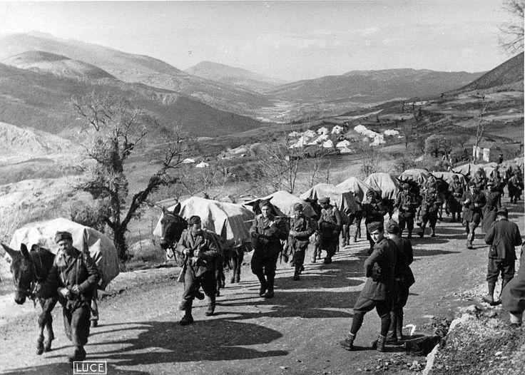 Italian soldiers in Greece 1941