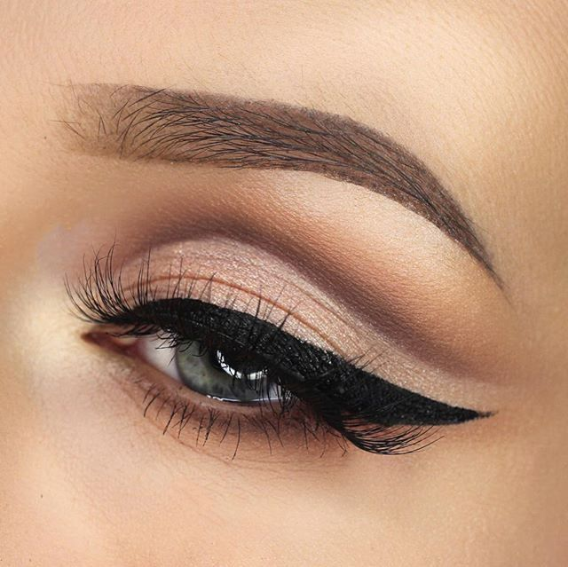 Looove a good cut crease!!  @lashesloveandleather #makeup #mua #motd