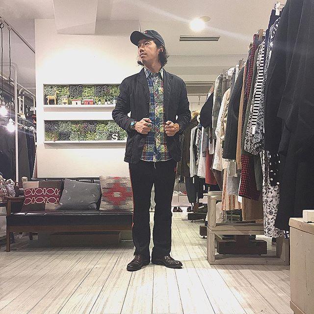 2016/10/30 10:39:34 startre_furugiya 2016,10,30,sun today's style  #jacket #shirt #ENGINEEREDGARMENTS #andoverjacket size s ¥12,960 14ss 若干使用感はありますが目立ったダメージや汚れはありません #pant #needles #shoes  #alden  本日は申し訳ありませんが婚礼出席のためお休みさせていただきます。  #アンドーバージャケット#オールデン#エンジニアードガーメンツ#トラックパンツ#nepenthes#fukuoka#ブランド古着福岡#福岡買取#instafashion#今日のコーデ#今日の服#警固#follow#足もと倶楽部  #ブランド古着  #スタートル 11-20時営業 水曜定休日  お問い合わせは電話かダイレクトメールでお願いします。 ℡ 092-712-7202