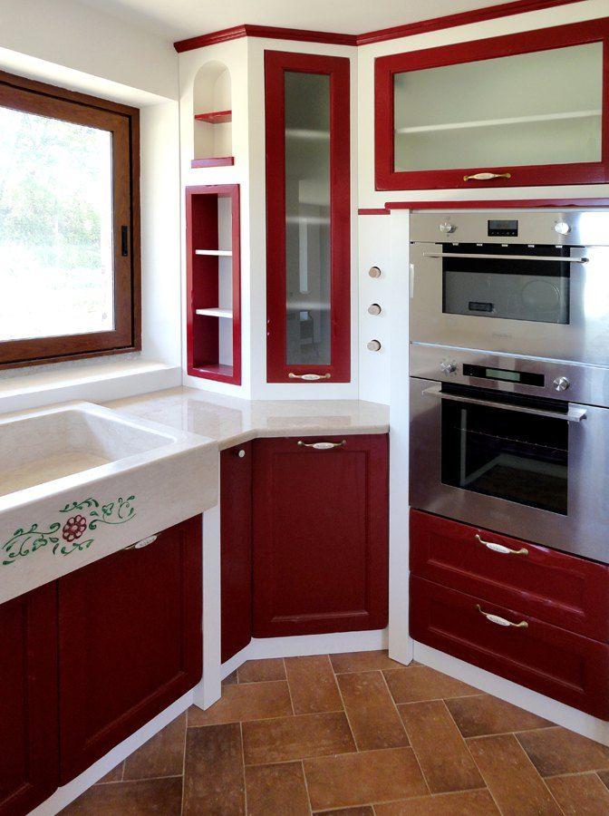 Cucina in muratura realizzata su misura da: Falegnameriedesign.it
