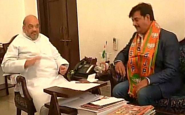 Actor Ravi Kishan joins BJP in gathering with president Amit Shah