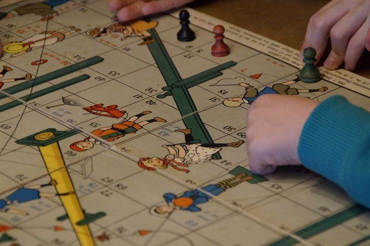 W dzisiejszych czasach zdecydowanie za dużo czasu spędza się przed ekranami komputerów, telewizorów, tabletów czy telefonów. Na wszechobecnej cyfryzacji cierpią relacje rodzinne, a także intelektualny rozwój naszych dzieci. Co zrobić żeby to zmienić? Bardzo fajnym rozwiązaniem jest wspólne... http://blog.conrad24.pl/gry-planszowe-dla-dzieci-czy-warto/