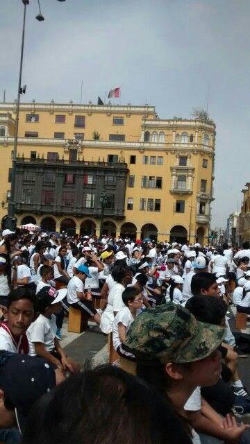 Participando del Festival Internacional de Cajón, Lima, Perú 2015  Cajones Flamentr3lok- Chile