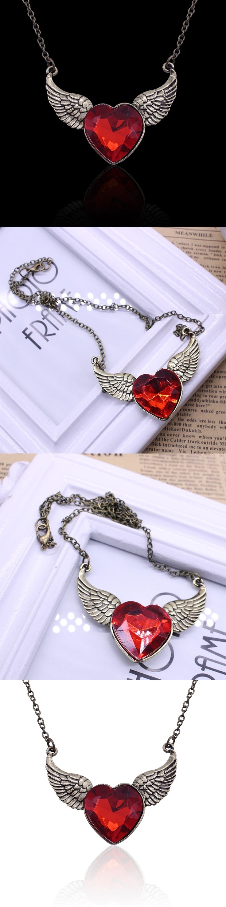 2017 Europe And America Popular Retro Angel Wings Necklaces & Pendants Heart Big Red Rhinestones Choker Necklace Women