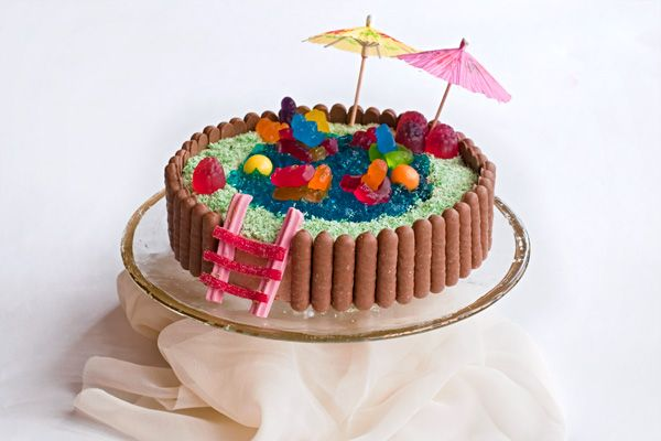 How To Make Easy Pool Party Cake