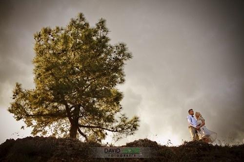 Boda real de Satu & John al aire libre en el campo {Foto, David Luque} #realwedding #bodas #wedding #tendenciasdebodas