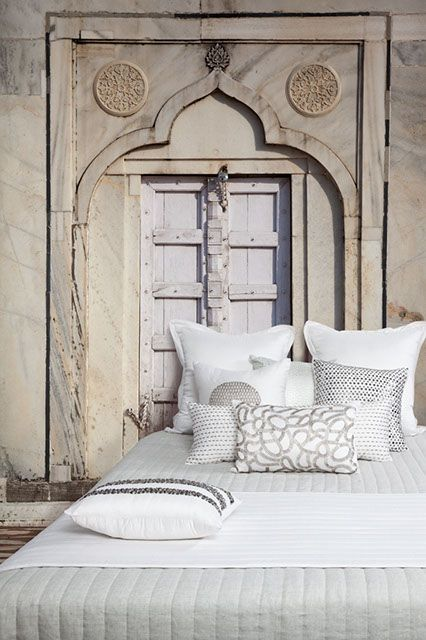 Door: Organizations Pillows, The Doors, Arches, Bedrooms Plain, Bedrooms Doors, Daily Dreams, Architecture, Http Www Dailydreamdecor Com, Dreams Decor