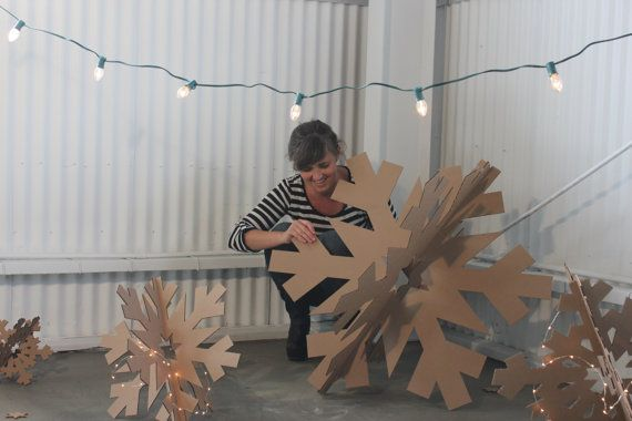 The set includes 7 Snowflakes: 1-32in, 1- 24in, 2-18in, 2- 12in and 1- 10in  These 3d cardboard snowflakes look incredible. Perfect for a store window, lobby, Christmas display or even hanging from the ceiling! If you want more of one particular size let me know and we can get a custom order together for you. The cardboard snowflakes are made from 1/8 in recycled cardboard cut with a knife blade. (so it wont stink like cardboard cut with a laser) Its super easy to put together (they just…