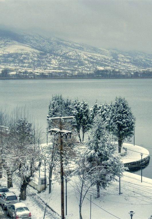 The lake of Kastoria in snow... Kastoria, Greece