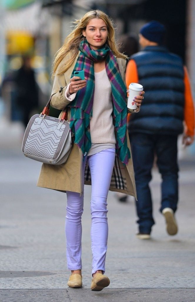 Jessica Hart Photo - Jessica Hart Walks in NYC