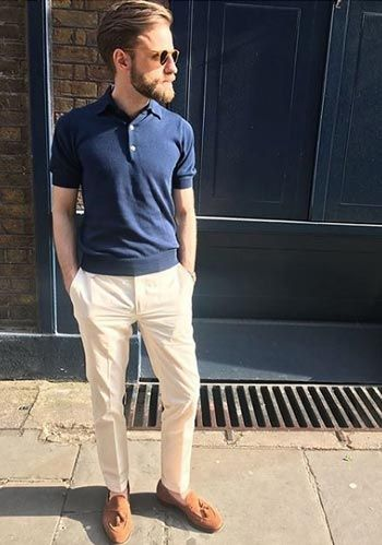 【きれいめ】紺ニットポロ×ベージュパンツ×タッセルローファーの着こなし(メンズ) | Italy Web