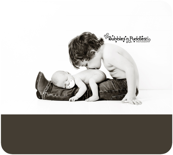 this. is. adorable.: Kids Photo, Photo Ideas, Big Brother, Sibling Poses, Cowboys Boots, Baby Photo, Newborns Photography, Photography Ideas, Sibling Photo