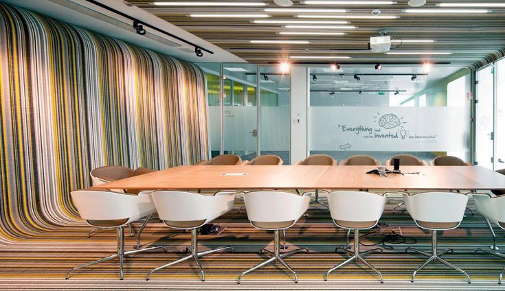 Bolon Botanic - Lotus installed as a continuous floor and wallcovering in this conference room. Very cool. #sisalcarpet.com
