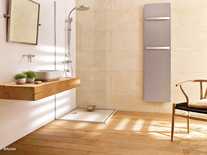 On ose le bois dans la salle de bains ! D'une élégance folle, il apporte à ce coin détente...