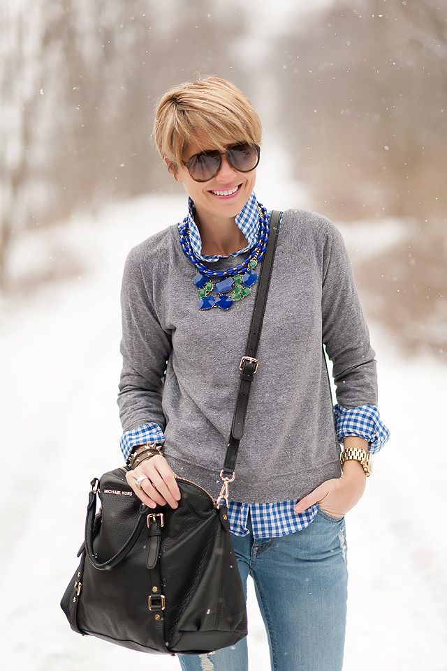 Casual weekend look, but that necklace elevates it to something more special.