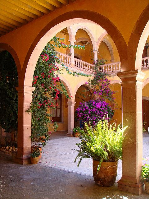 17 best images about mexican home exteriors on pinterest for Spanish hacienda style