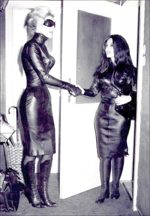 Up skirt clit