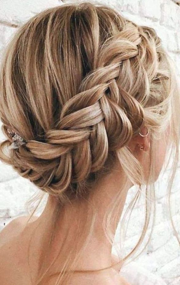 Best Homecoming Hairstyles Choosing The Right Hairstyle From All Of These Ideas Of Homecoming Hairstyles Will Co In 2020 Braided Hairstyles Hair Styles Down Hairstyles