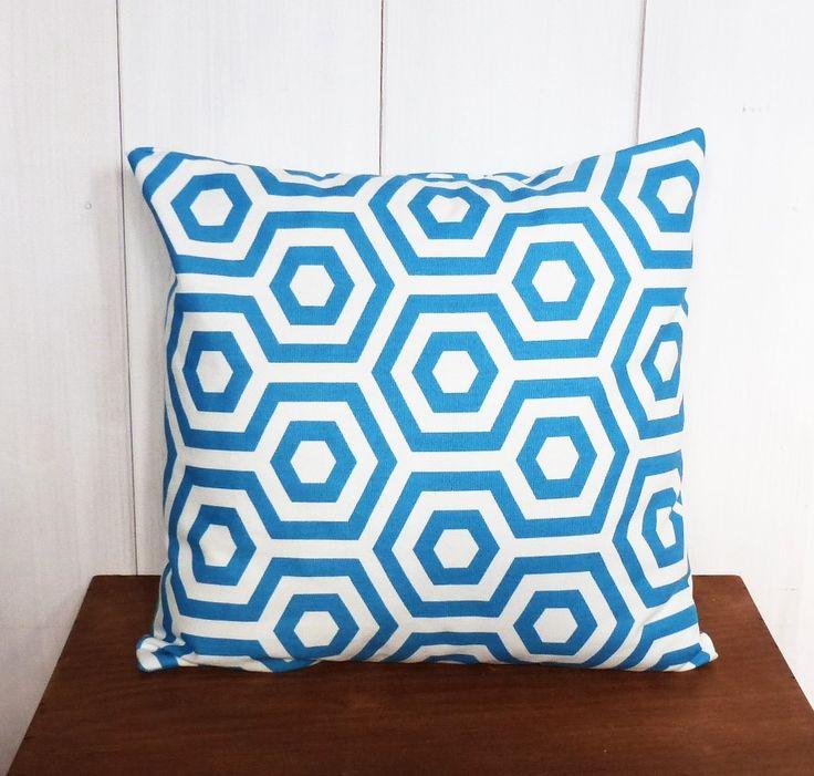 17 meilleures images propos de tissus ameublement canap sur pinterest textiles papier - Coussin nordique ...