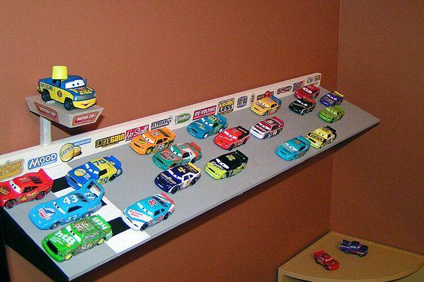 Mattel Disney Pixar Diecast Cars Build Your Own Speedway