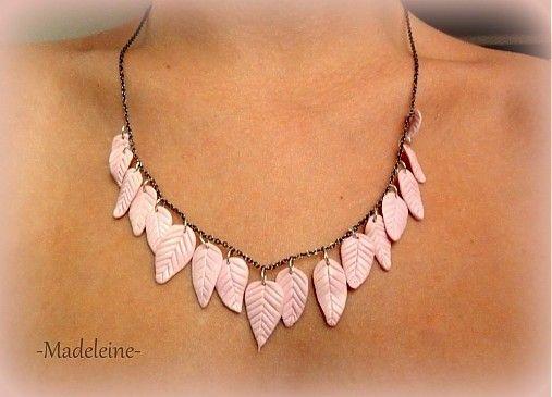 -Madeleine- / pink Necklace
