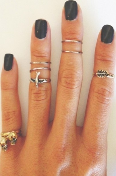 I've been loving doubling up on thin rings these days