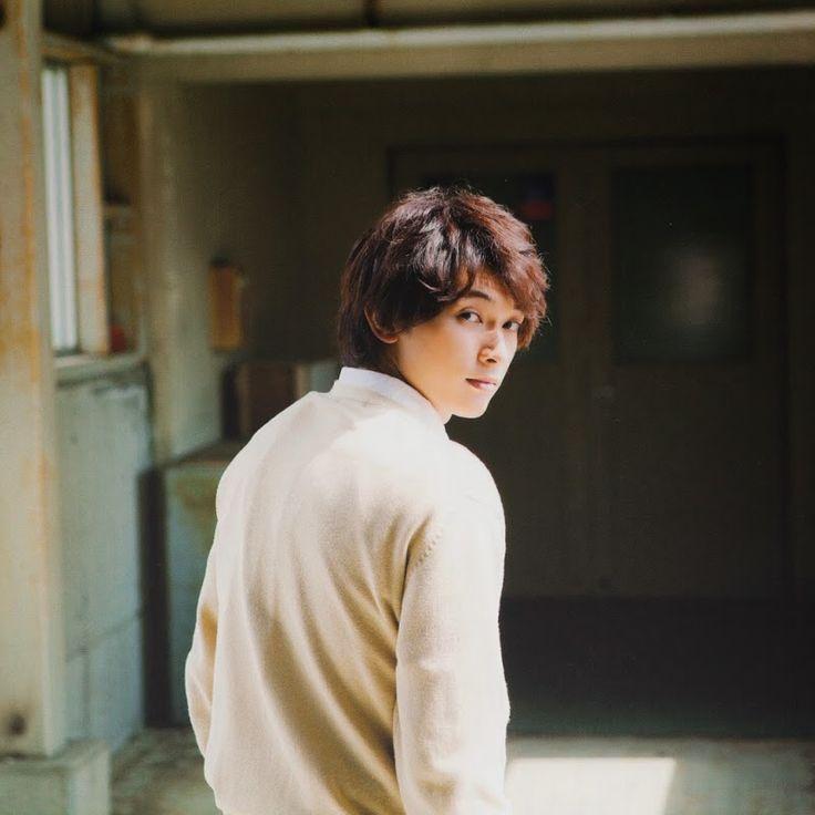 Ryo Yoshizawa(吉沢 亮)(+act.(プラスアクト) 2014年7月 800×800)