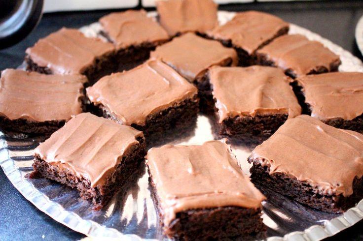 recept_lyxbrownies_brownies_i_långpanna_med_glasyr