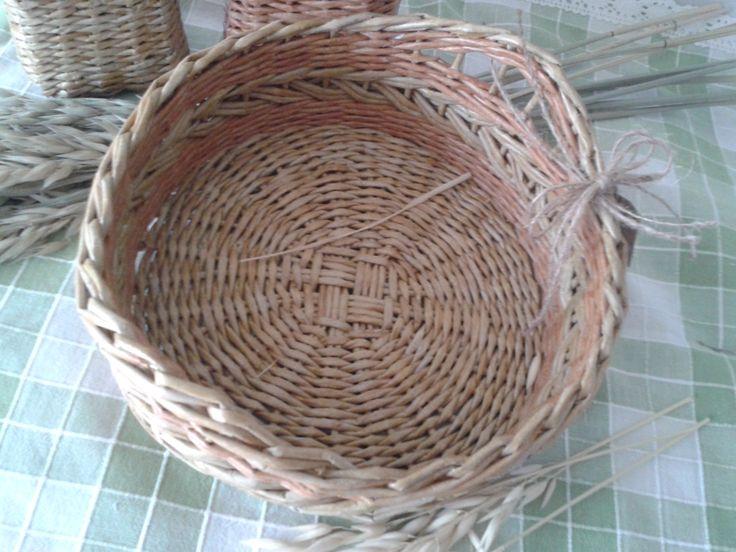 """корзинка для хлеба """"Пшеничный колос"""", плетение из бумаги"""""""