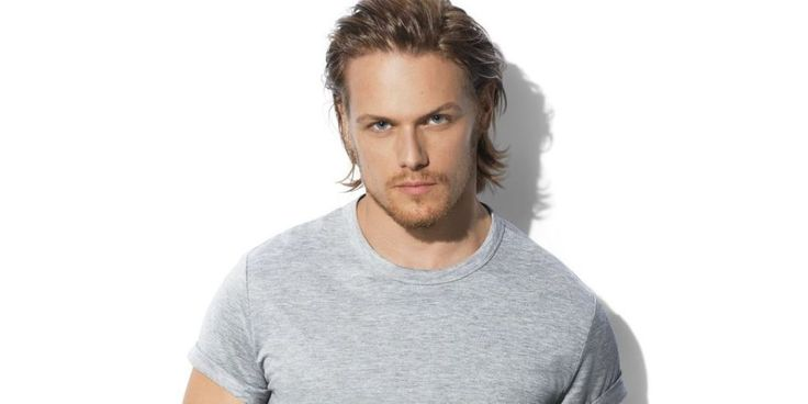 Outlander's Sam Heughan Reveals His Late-Night Texting Habits