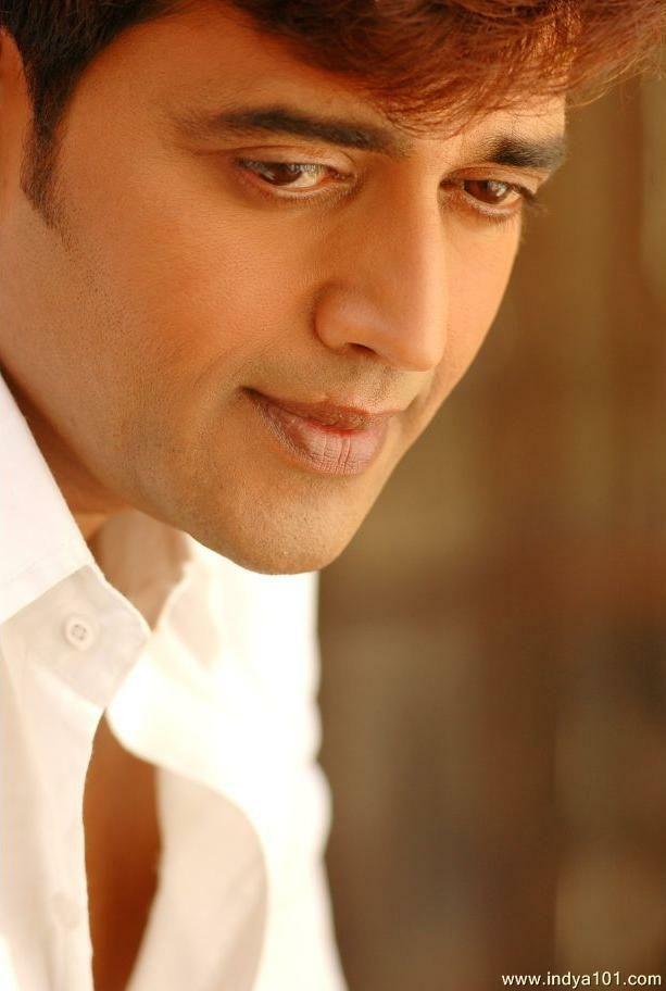 Ravi Kishan Shukla is one of Best Hindi and Bhojpuri Film Actor, Producer. His Also Worked in Punjabi and Telugu movies. Ravi Kishan i...