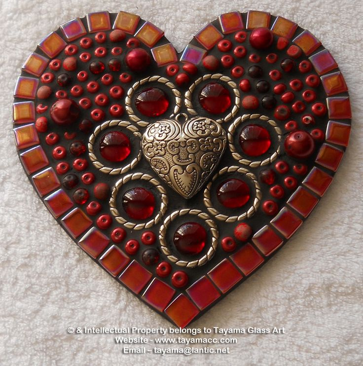 Mosaic Heart - Red -https://www.facebook.com/groups/TayamaCrafts/