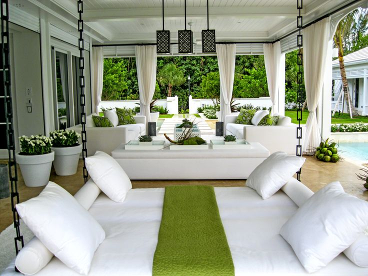 Upscale luxury interior design firm serving the Palm Beaches. Specializing in modern contemporary, classic, and transitional interior design.