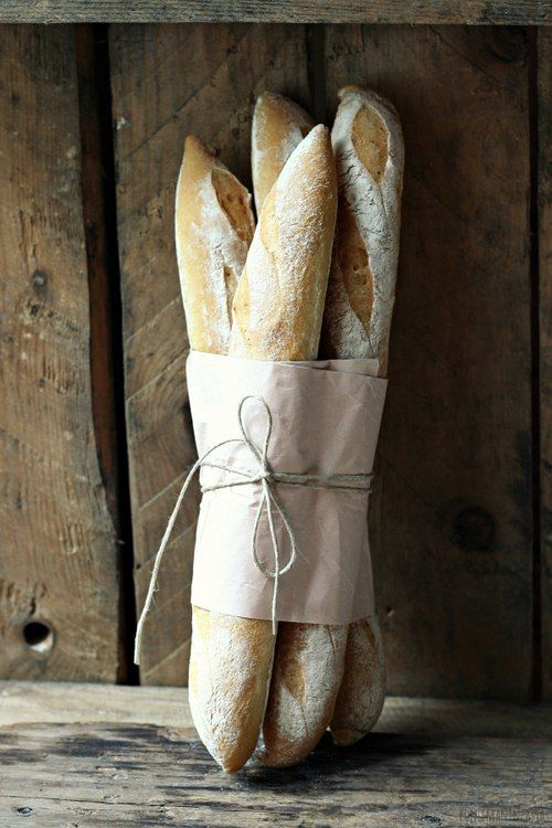 What a beautiful hostess gift this would make! Rather than a bouquet of flowers, a bouquet of bread to enjoy! Love!
